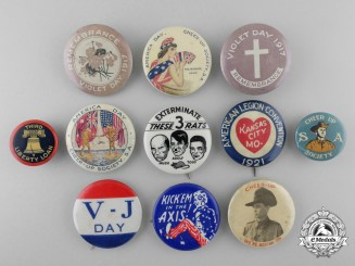 A Lot of First & Second War Allied Patriotic and Propaganda Badges