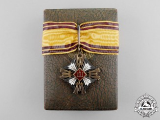 Lithuania. An Order of the Grand Duke Gediminas; Third Class Neck Badge, Type II, c.1935