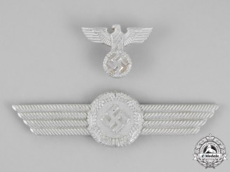Germany. A Set of Luftwaffe Civil Employee Visor Insignia