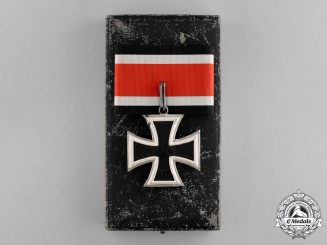 Germany. A Mint Knight's Cross of the Iron Cross, by S&L with Case, c.1944