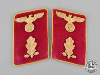 Germany, NSDAP. A Pair of RZM-Marked Reichs Level Abschnittsleiter Collar Tabs