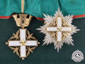 Italy (Republic). Order of Merit of the Italian Republic, II Class Grand Officer's Set