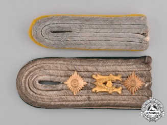Germany, Wehrmacht. A Pair of Second War Period Wehrmacht Shoulder Boards