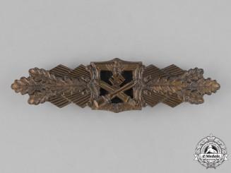 Germany, Wehrmacht. A Close Combat Clasp, Bronze Grade, by Arbeitsgemeinschaft Metall und Kunststoff