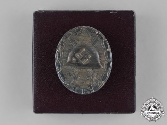Germany, Wehrmacht. An Early Silver Grade Wound Badge with Case