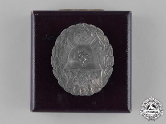 Germany, Wehrmacht. A Condor Legion Silver Grade Wound Badge with Case