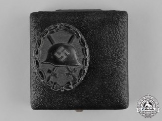Germany, Wehrmacht. A Cased Black Grade Wound Badge