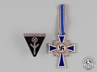 Germany Third Reich. A Pair of Second War German Women's Awards
