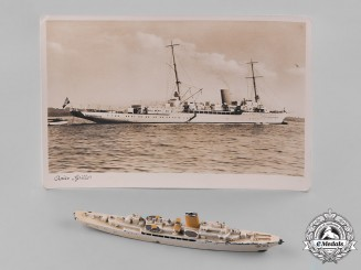 Germany, Kriegsmarine. A Toy Model of AH's Aviso Grille by Wiking-Modell
