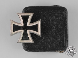Germany, Wehrmacht. A 1939 Iron Cross First Class, with Case, by B.H. Mayer
