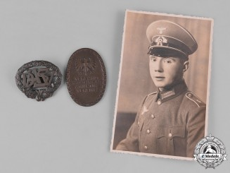 Germany, Wehrmacht. A Set of Wehrmacht EM/NCO's Insignia & Photos