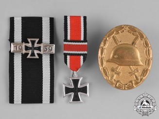 Germany, Wehrmacht. A Group of Post-1957 Reissued Wehrmacht Awards