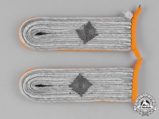 Germany, Luftwaffe. A Pair of Oberleutnant Paratroop/Flying Unit Shoulder Boards