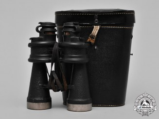Germany, Kriegsmarine. A Cased Pair of Kriegsmarine Binoculars, by Ernst Leitz