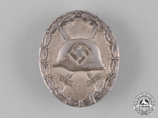 Germany, Wehrmacht. A Silver Grade Wound Badge by Klein & Quenzer