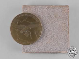 Germany, Luftwaffe. A Luftwaffe Western France Loyal Service Medallion in Case