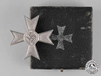 Germany, Wehrmacht. A War Merit Cross with Case, I Class
