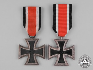 Germany, Wehrmacht. A Pair of 1939 II Class Iron Crosses