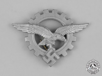 Germany, Luftwaffe. An Engineer's Cap Badge