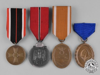 Germany, Third Reich. A Lot of Second War Period Medals & Awards