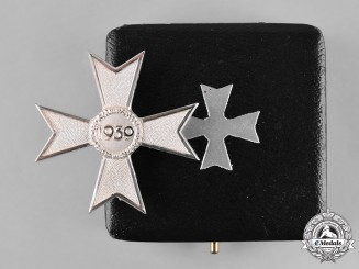 Germany, Wehrmacht. A Cased War Merit Cross, I Class, 1957 Reissue