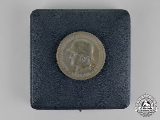 Germany. A Cased 4th Panzerdivision Reconnaissance Section 7 Commemorative Medal