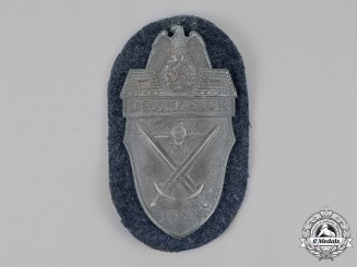 Germany. A Luftwaffe Issue Demjansk Campaign Shield
