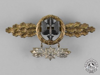 Germany, Luftwaffe. A Squadron Clasp for Long Distance Figthers, Gold Grade, with Special Grade Hanger, by G.H. Osang