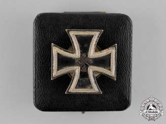 Germany. An 1939 Iron Cross 1st Class, Cased, by B.H.Mayer