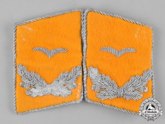 Germany, Luftwaffe. A Set of Flight Personnel Leutnant Collar Tabs