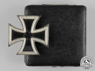 Germany, Wehrmacht. A 1939 Iron Cross I Class with Case, by Wächtler & Lange, Dietrich Maerz Collection