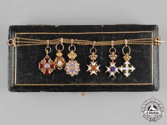 Russia, Imperial. A Fine Gold Miniature Chain of Six Orders & Decorations