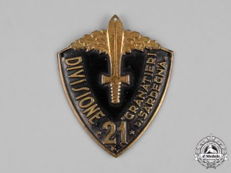 "Italy, Kingdom. A 21st Infantry Division ""Grenadiers of Sardinia"" Sleeve Shield"