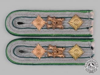 Germany, Heer. A Set of Heeresverwaltung Apothecary Officer's Shoulder Boards