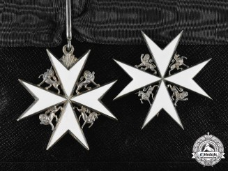 United Kingdom. An Order of St. John, Knight of Grace, by Vaughton & Sons, c.1945
