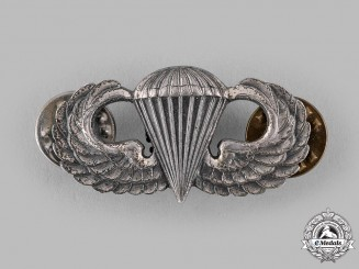 United States. A Basic Parachutist Badge, c.1945