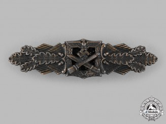 Germany, Wehrmacht. A Close Combat Clasp, Bronze Grade, by Friedrich Linden