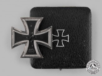 Germany, Wehrmacht. A 1939 Iron Cross I Class with Case, by Fritz Zimmermann, Dietrich Maerz Collection