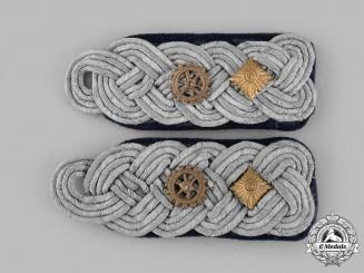 Germany, Kriegsmarine. A Set of Fregattenkapitän Engineer Shoulder Boards