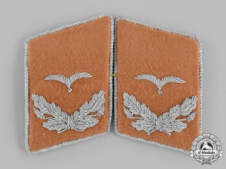 Germany, Luftwaffe. A Set of Communications Leutnant Collar Tabs