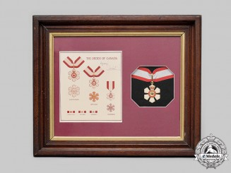 Canada, Constitutional Monarchy. An Order of Canada, Companion, Specimen Example