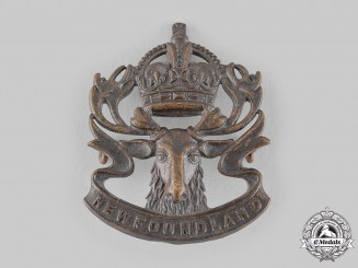 Canada. A Royal Newfoundland Regiment Militia Cap Badge, by Scully,  c.1942