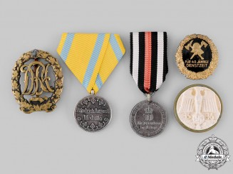 Germany. A Mixed Lot of Badges and Medals