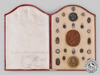 Hungary, Kingdom. A Cased Salesman's Display of War Medals 1914-17, by Richard Adolf Zutt
