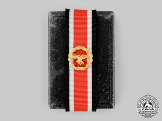 Germany, Luftwaffe. An Honour Roll Clasp, with Case