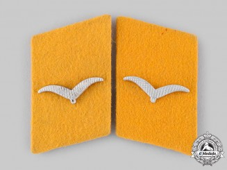 Germany, Luftwaffe. A Set of Flight Personnel Flieger's Collar Tabs