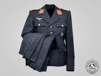 Germany, Luftwaffe. A Flak/Artillery Oberleutnant Tunic & Breeches