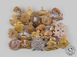 Canada. A Lot of Twenty-Two Cap Badges