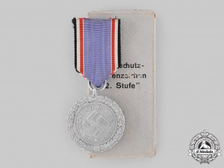 Germany, Third Reich. An Air Defence Medal, II Class with Case