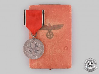 Germany, Third Reich. A German Eagle Order, Silver Medal of Merit with Case, by the Prussian State Mint